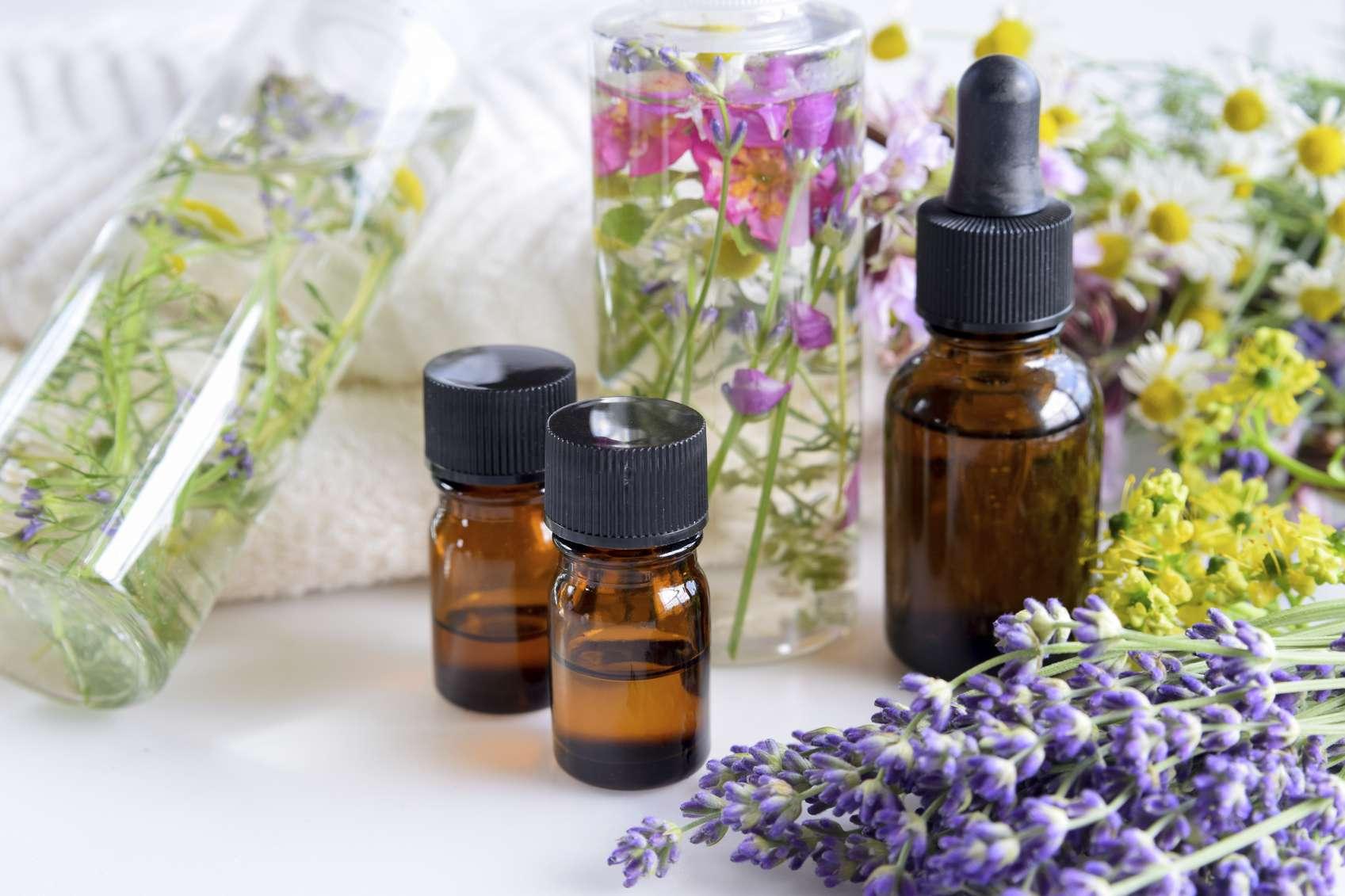 Why do Many Customers choose MEENA PERFUMERY Oils Compnay?